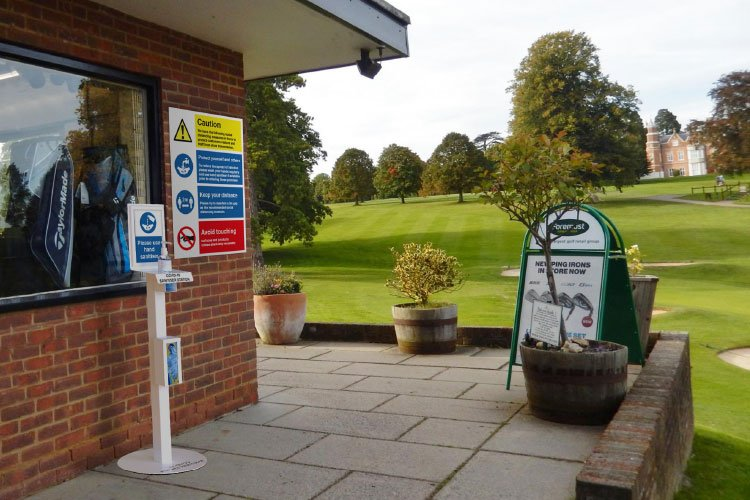 Golf course covid-19 hand sanitiser safety rules sign